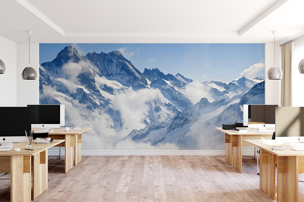 Fototapeta - Snieżna góra nad chmurami - fototapeta.shop
