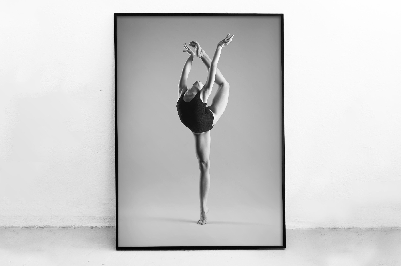 Plakat - Baletnica na palcach - fototapeta.shop
